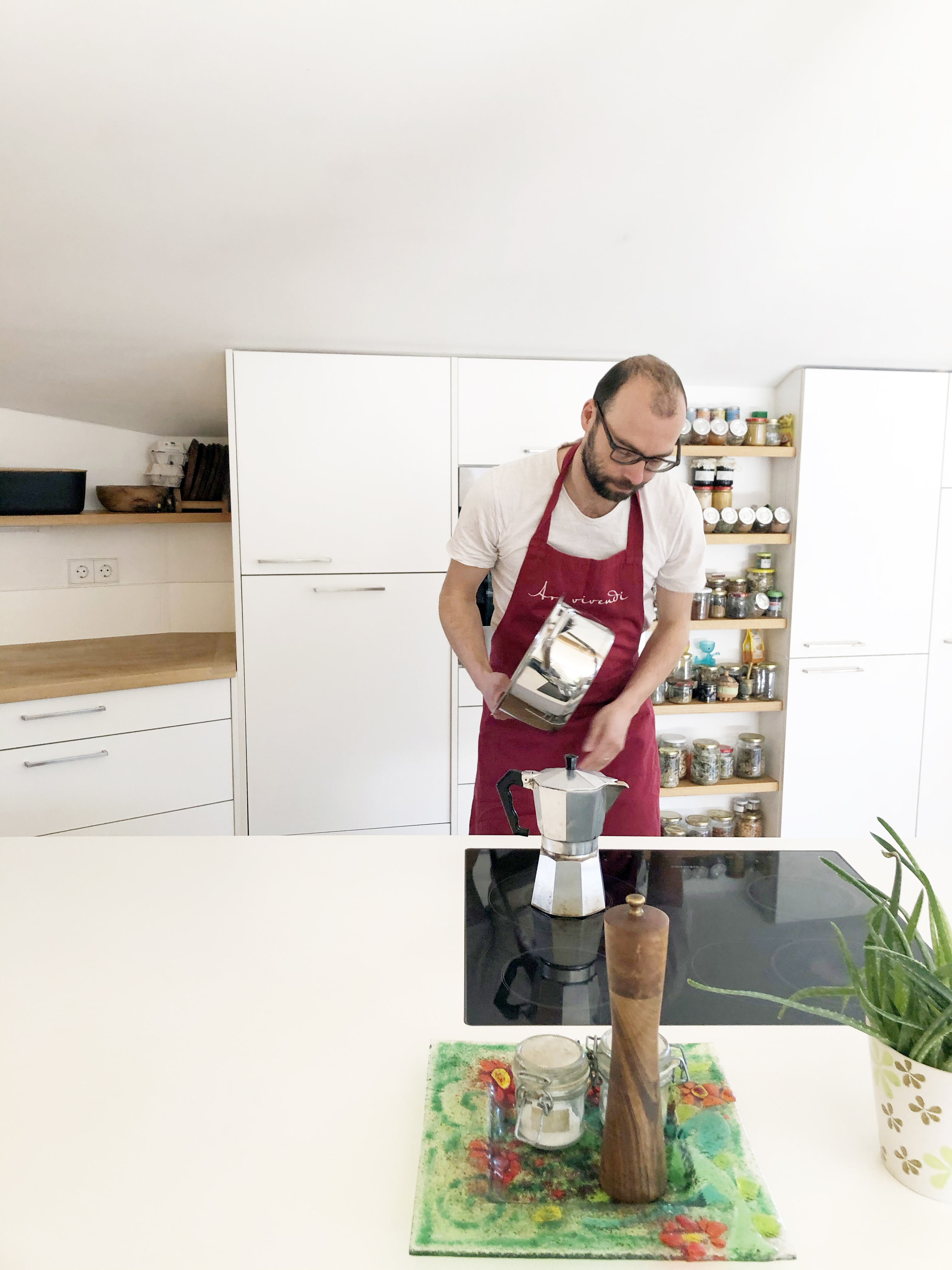 Hannes Egger, Kitchen Performance or The Order of Things, 2020